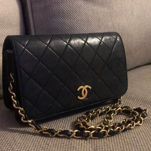 Auth Chanel Lambskin Quilted Matelasse Chain Bag